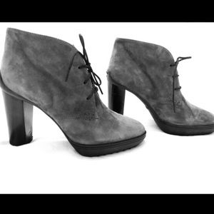 Tod Gray Suede Ankle Boots / Booties Size 7